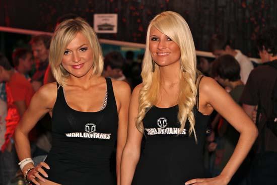Девушки со стенда World of Tanks на GamesCom 2011 были одними из самых красивых