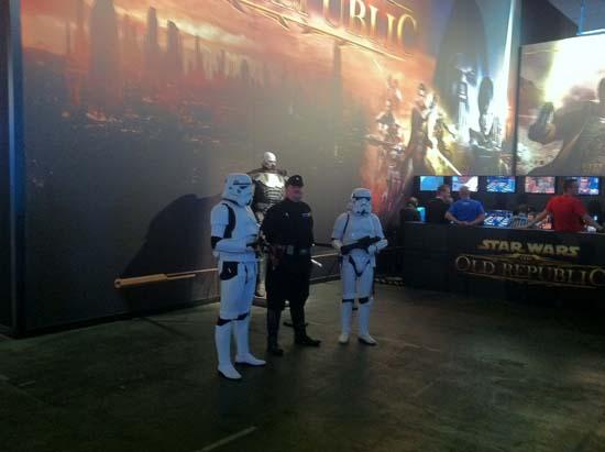 GamesCom 2011 Имперских штурмовиков значительно чаще спрашивали о стоимости костюмов, нежели о том, можно ли с ними сфотографироваться