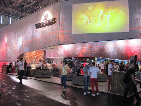 На GamesCom 2011 танки грохотали