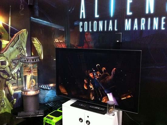 GamesCom 2011 Герой Aliens: Colonial Marines явно научился нехорошим жестам у Дюка Нюкема или это Gearbox Software всех их научила?