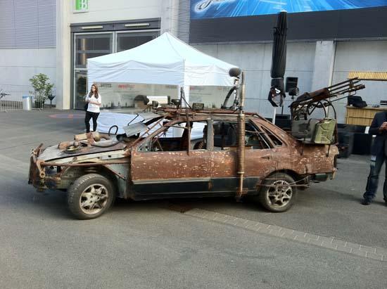 Этот автомобиль, оказавшийся рядом с GamesCom 2011, видимо, привет постапокалиптическому шутеру Rage