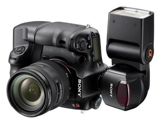 Sony Alpha SLT-A77 с установленной поворотной вспышкой