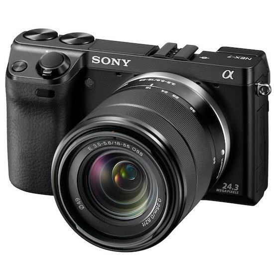Sony NEX-7 – вид спереди