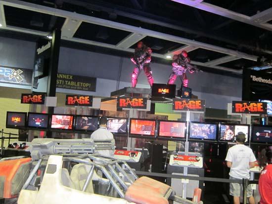 Стенд с демо-версией Rage на PAX Prime 2011 привлек к себе много внимания - еще бы, его оформление было крайне неординарным