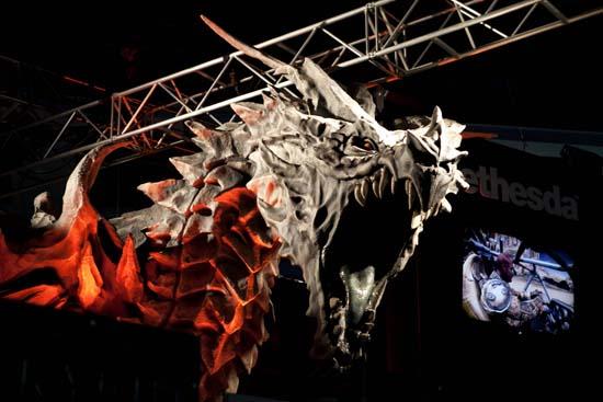 Кто побывал на PAX Prime 2011, отлично знает, что самые большие драконы - у Bethesda Softworks в ее The Elder Scrolls V: Skyrim