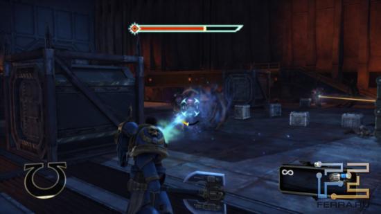 Бластер в Warhammer 40.000: Space Marine имеет бесконечное количество патронов, но толку от него немного - урон очень слабый