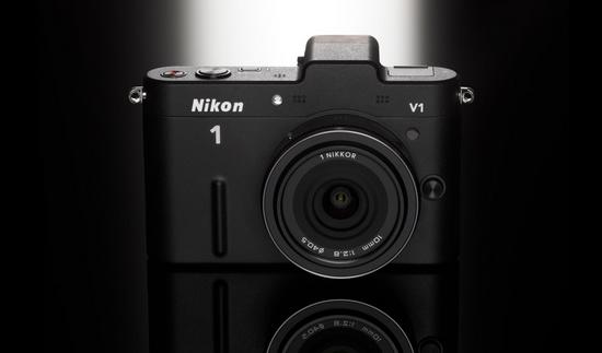 Nikon 1 V1 в черном исполнении