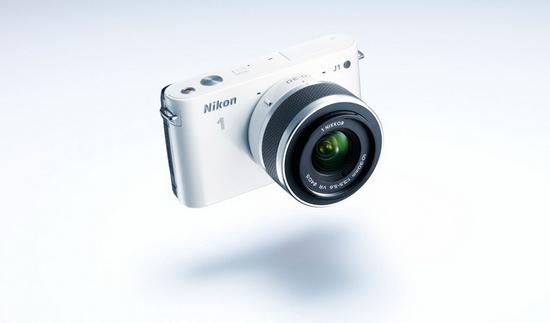 Белый Nikon 1 J1