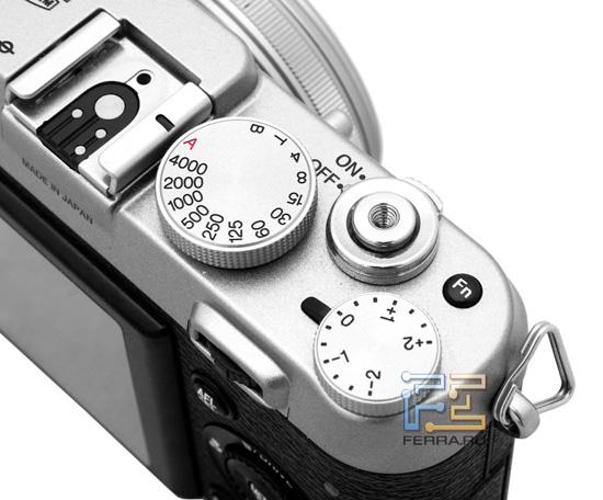 Органы управления на верхней части корпуса Fujifilm FinePix X100