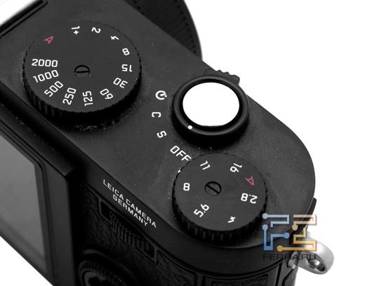 Leica X1: кнопка включения
