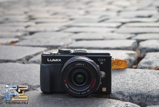 Panasonic Lumix GX1 с объективом Lumix G X Vario PZ 14-42mm F3.5-5.6 ASPH OIS