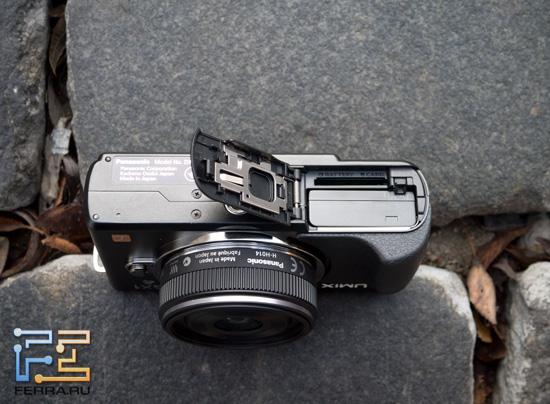 Panasonic Lumix GX1 - отсек с аккумулятором и SD-картой