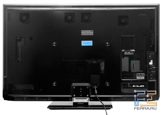 Телевизор Panasonic VIERA TX-PR50VT30, вид сзади. Четыре вентилятора расположены в верхней части ТВ