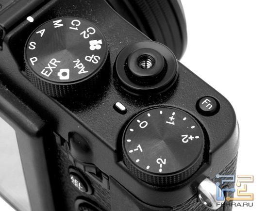 ������ ���������� �� ����� ������ Fujifilm FinePix X10