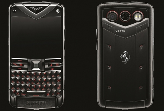 Новый смартфон Vertu Constellation Quest Ferrari с Qwerty