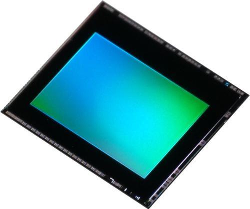 CMOS-матрица Toshiba обеспечивает запись видео 240 к/с на смартфонах и планшетах