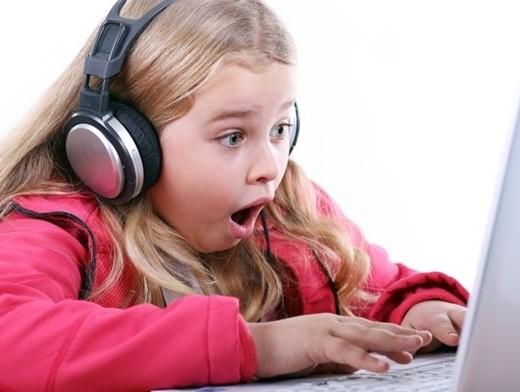 Эксперты рассказали, как вытащить детей из Интернета