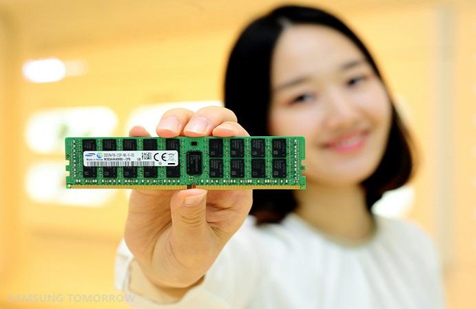 Samsung начинает производство 8-гигабитной DDR4 по 20-нм технологии