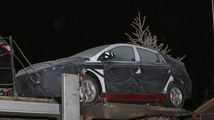 Папарацци заметили гибридный автомобиль Hyundai в стиле Toyota Prius