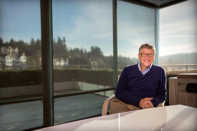 Билл Гейтс работает над новым проектом в Microsoft и считает искусственный интеллект угрозой