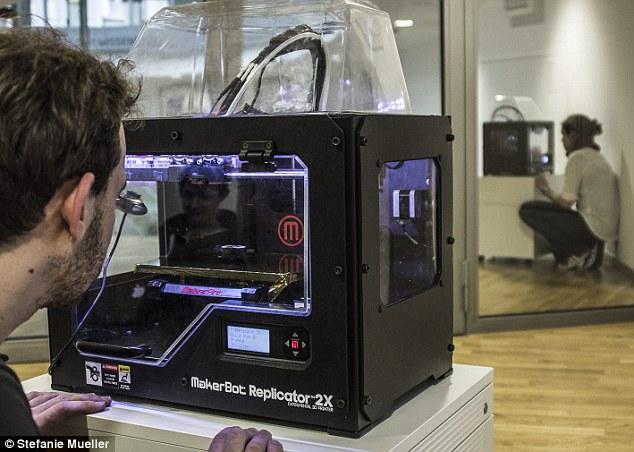 """Немецкие ученые научились """"телепортировать"""" физические объекты через интернет с 3D-печатью"""
