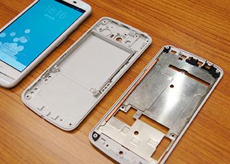 15 мая в истории: смартфон с водяным охлаждением, первые SSD в серийных ноутбуках и крупнейший пассажирский самолёт «довоенного» времени