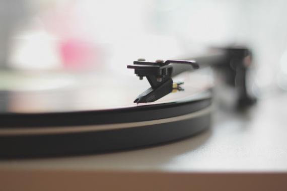 слушать музыку онлайн современные хиты
