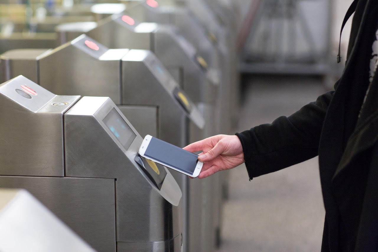 Смартфоны Samsung научились платить в московском метро