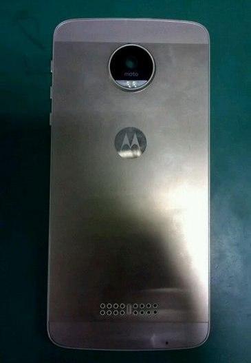 Металлический Moto X четвертого поколения засветился на фото