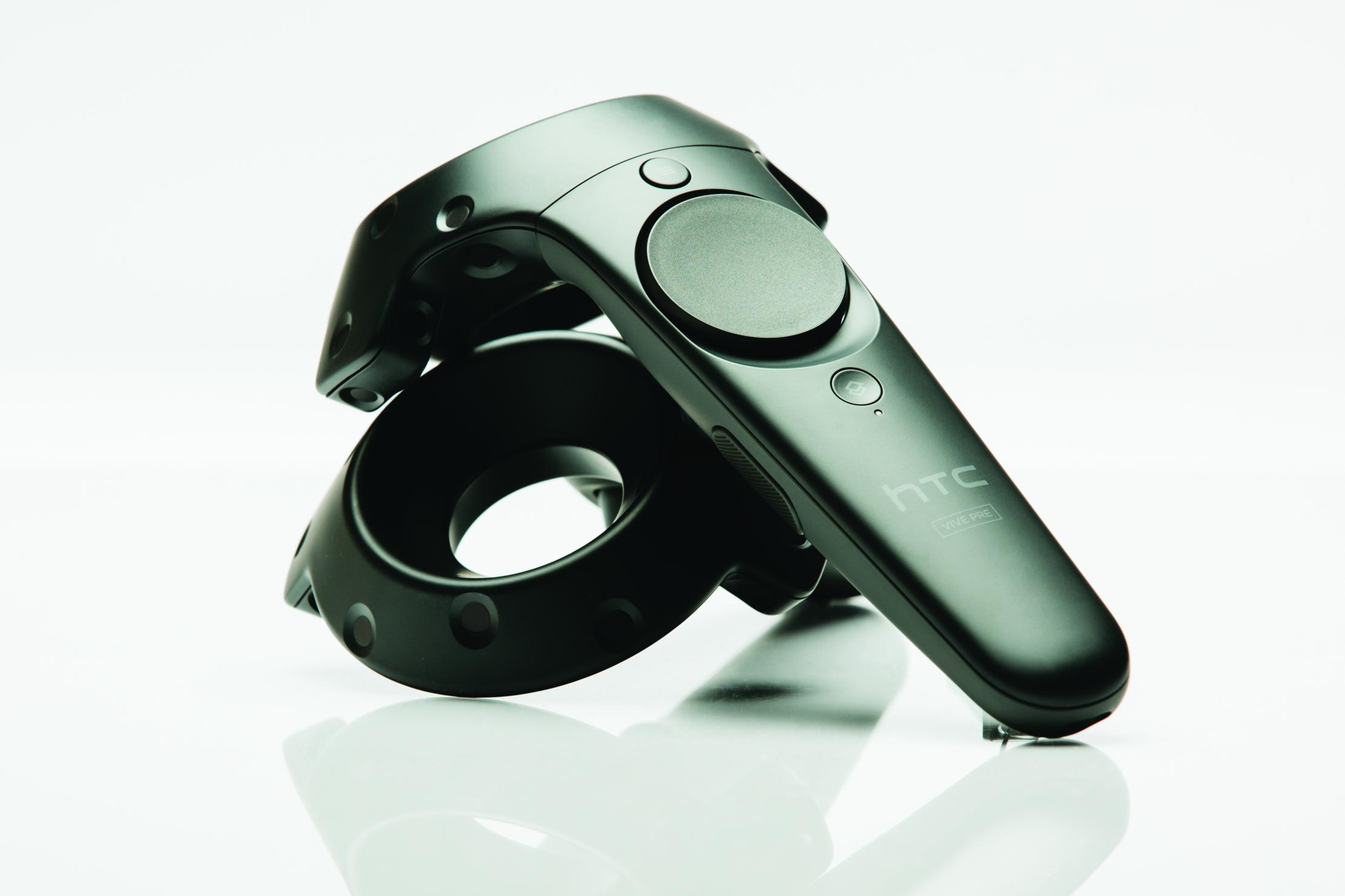 CES 2016: Шлем виртуальной реальности HTC Vive Pre получил фронтальную камеру