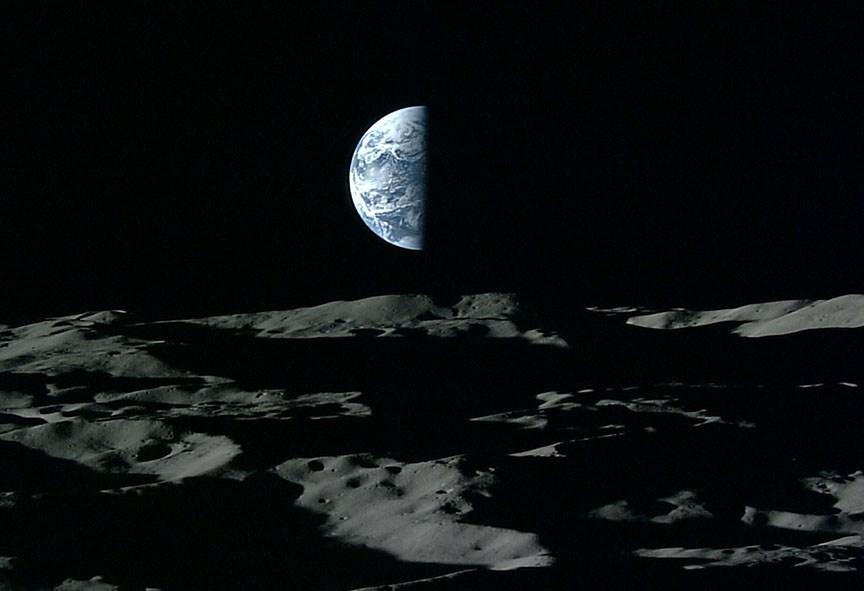 Ученые узнали, как использовать лунную пыль