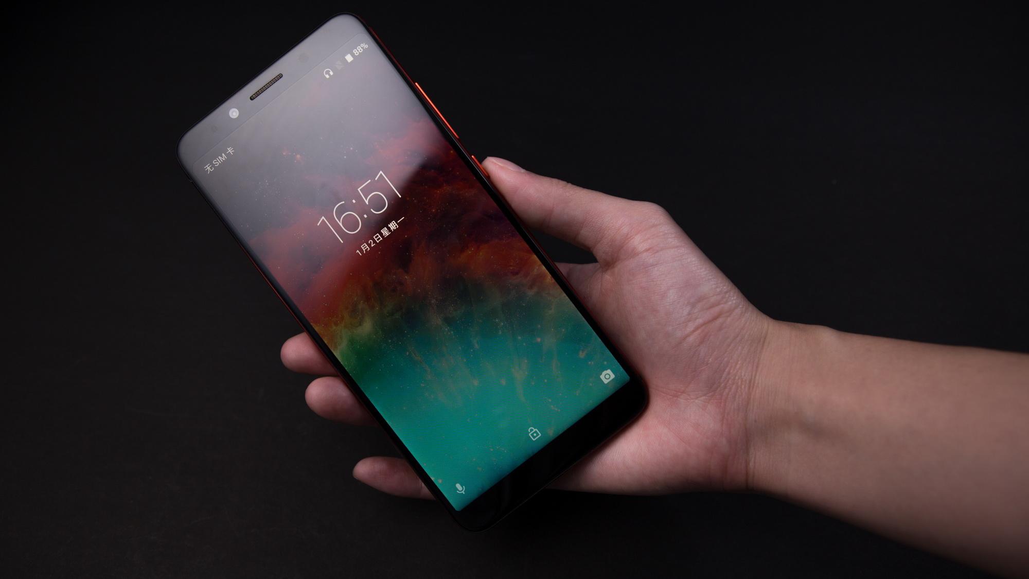 Безрамочный смартфон UmiDigi S2 Pro обещает два дня автономной работы