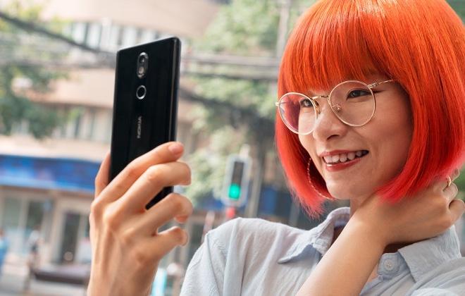 Стеклянный Nokia 7 представлен официально