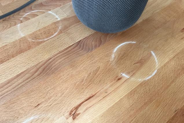 Apple назвала «нормальными» следы на деревянной мебели от смарт-колонки HomePod