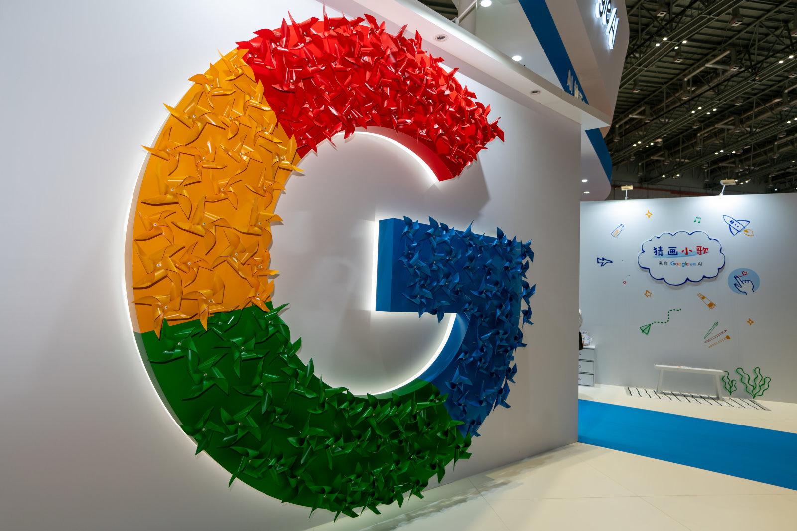 Цифра дня: Сколько ссылок удалила Google из поиска за пиратский контент за год?