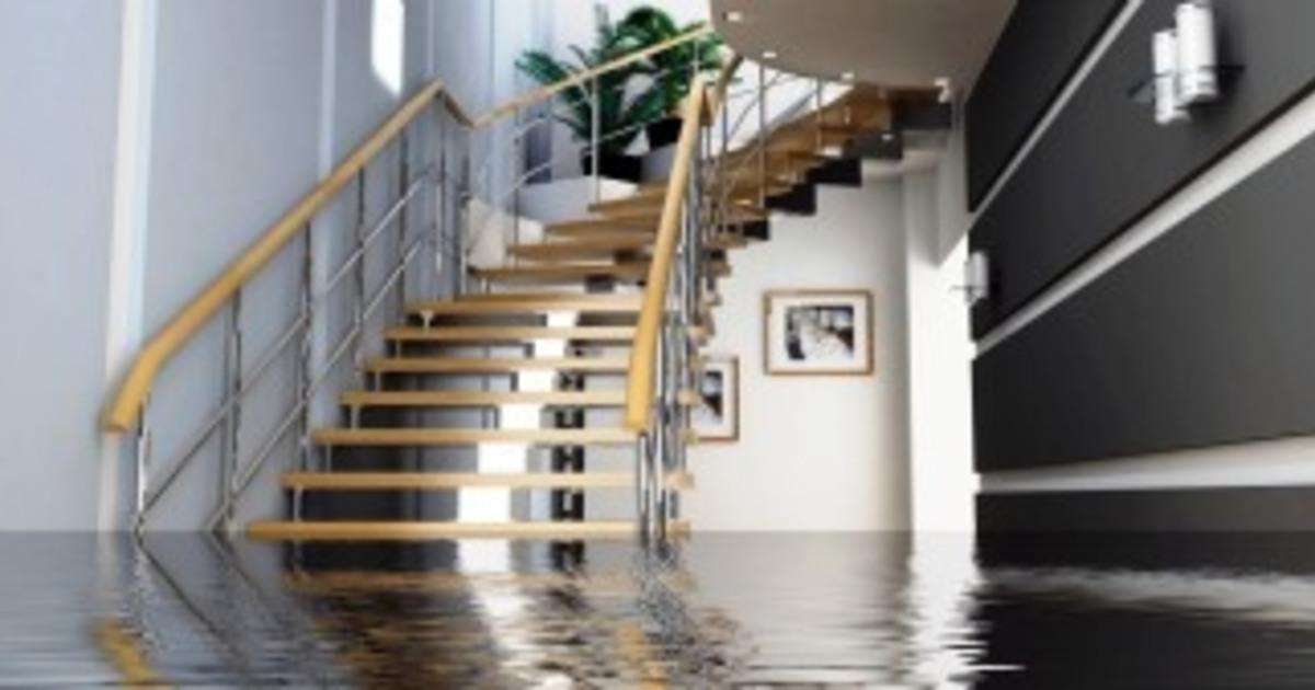 утечка воды в квартире