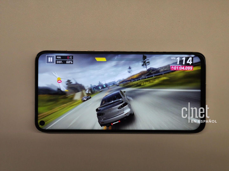 Самый дешёвый смартфон Huawei с флагманским процессором засветился на качественных фото