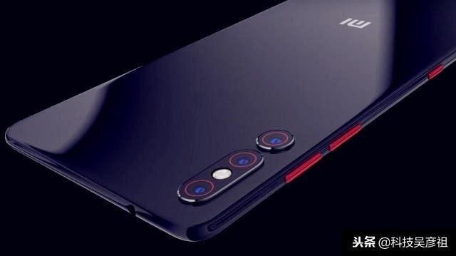 У Xiaomi Mi 9 будет большая версия и ещё больше