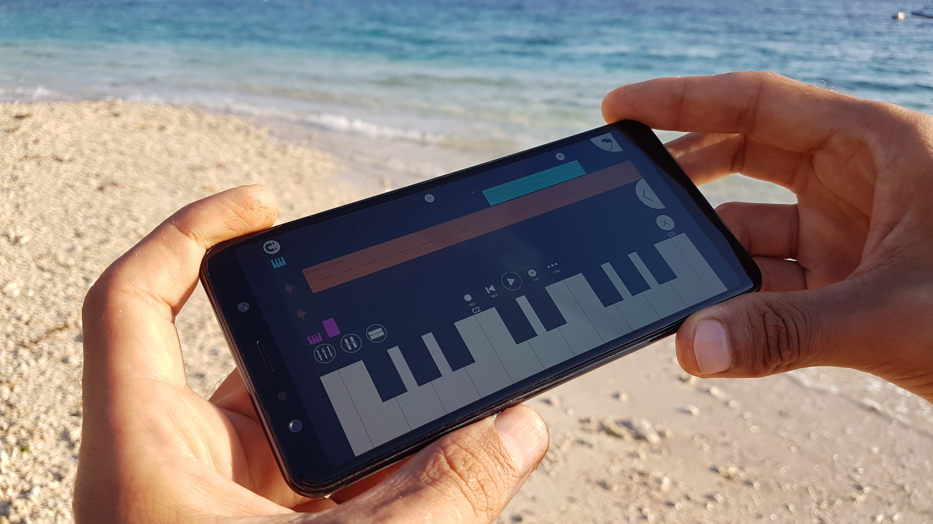 Российский музыкант записал альбом на Samsung Galaxy A7