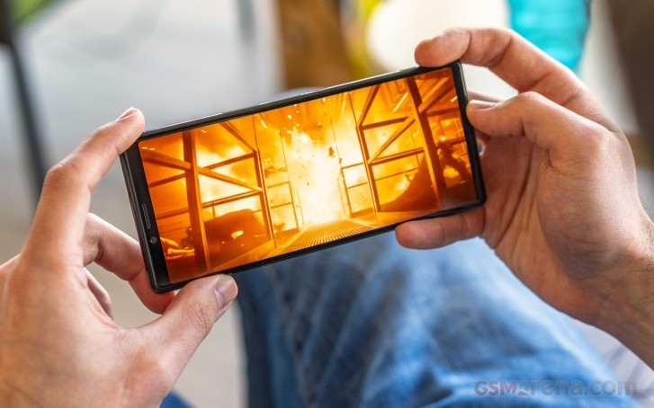 флагманский смартфон sony xperia появился предзаказе