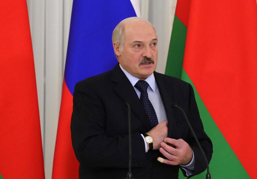 Лукашенко обещает максимальные налоговые льготы программистам-перебежчикам из России