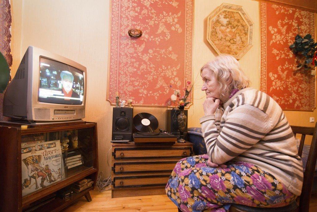 Вернём бабушке пропаганду! Как настроить телевизор после отключения аналогового вещания