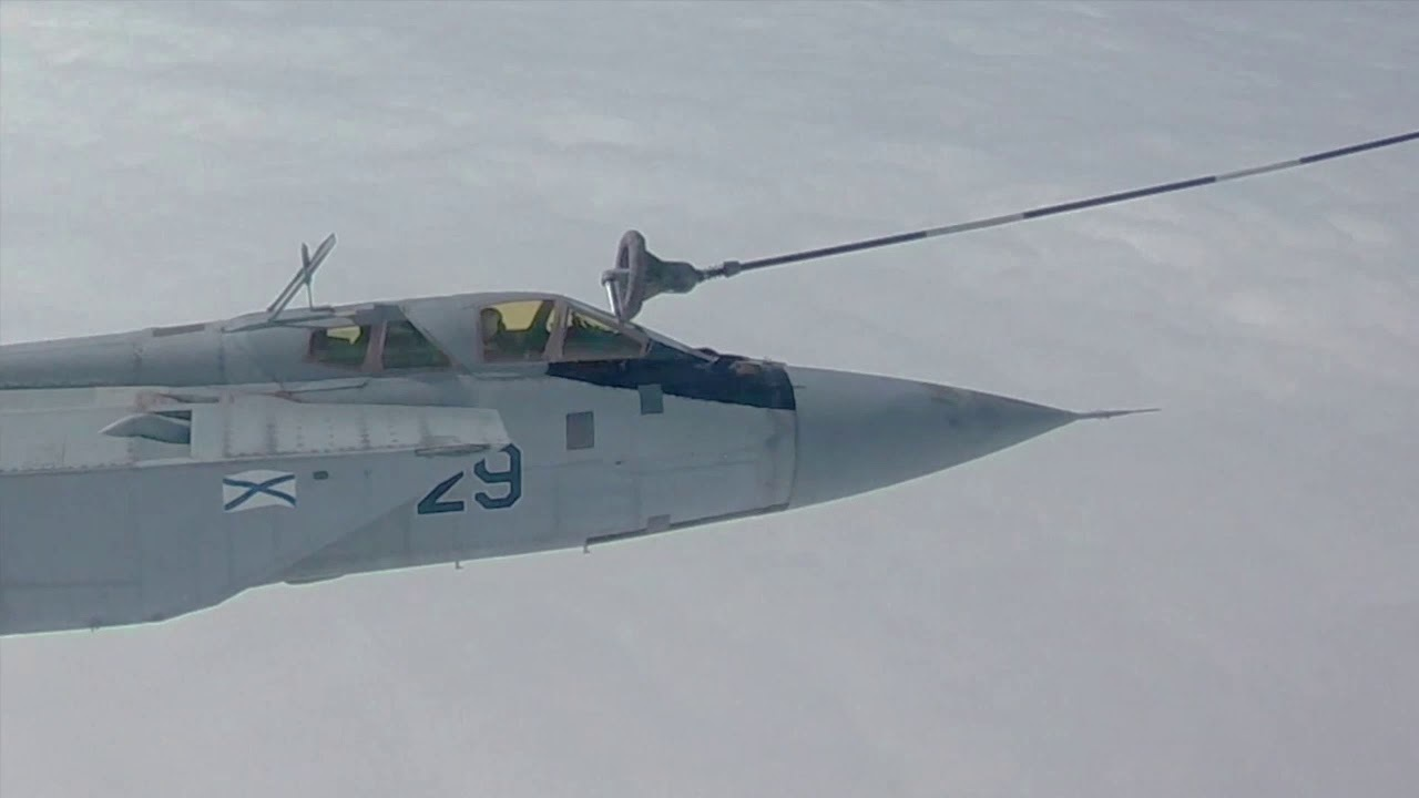 МиГ-31 провёл воздушную дозаправку в арктических условиях и попал на видео