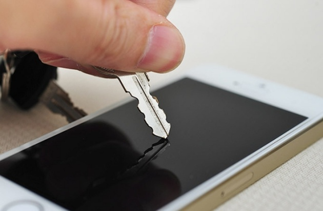 Защищенные от царапин стекла в смартфонах появились только благодаря Стиву Джобсу