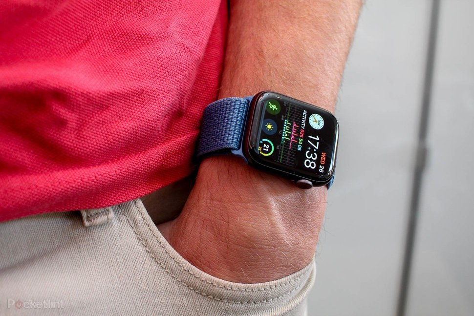"""Apple обошла всех производителей """"умных"""" часов с огромным отрывом"""