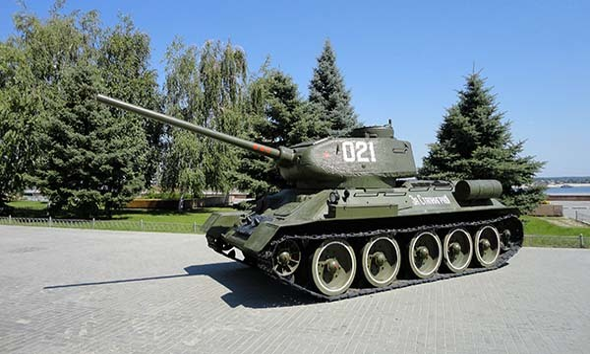 Обнаружена страна, которая до сих пор воюет на танках 70-летней давности