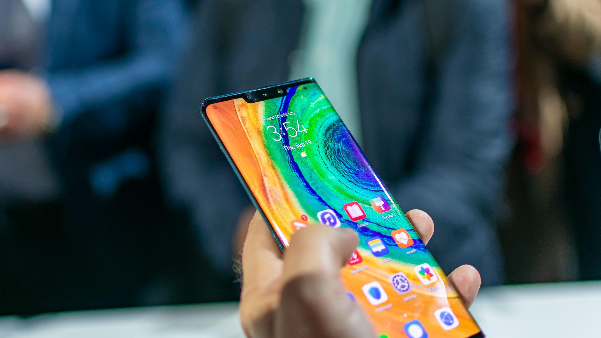 Стало известно, почему новый Huawei Mate 30 лишен недостатков других смартфонов с загнутыми экранами