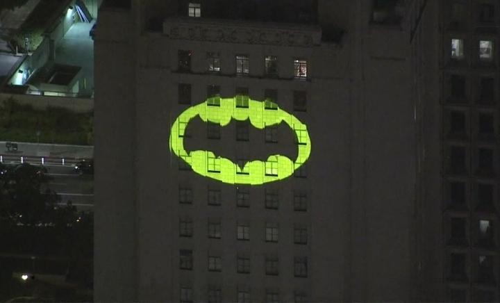 Знак Бэтмена появится на зданиях крупнейших городов мира