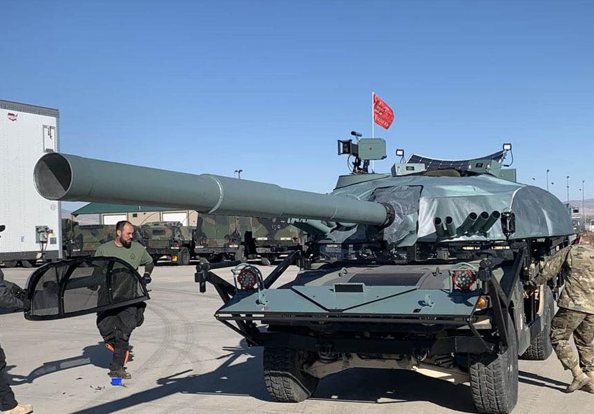 Американские вседорожники замаскировали под российские танки