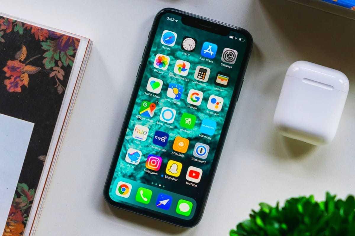 Госдума одобрила законопроект, запрещающий продажу смартфонов без российских приложений